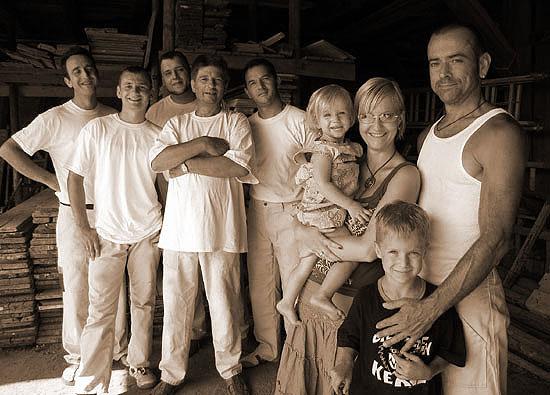 Das Team vom Stuckateurmeisterbetrieb Martin Christ und Familie im Jahre 2006